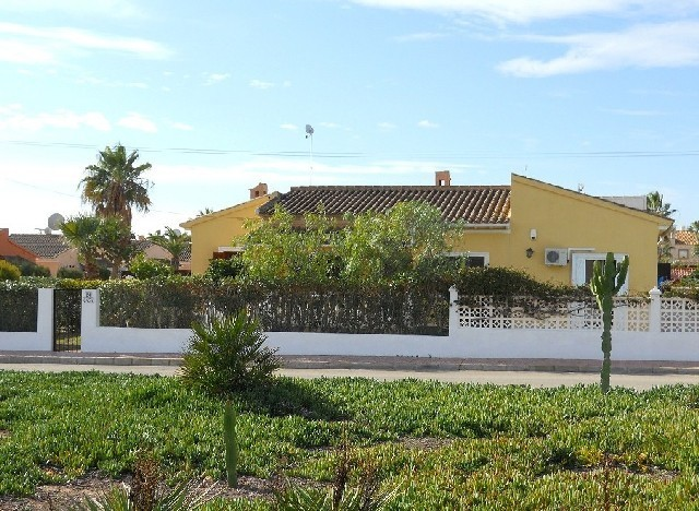 3 Bed Detached villa For Sale in Playa Flamenca