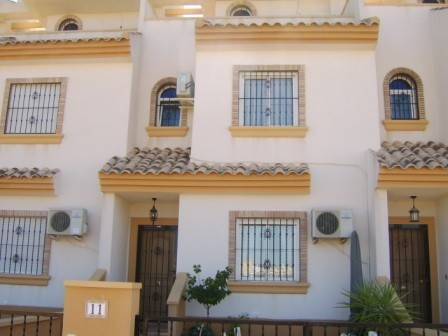 3 Bed Townhouse For Sale in Villamartin