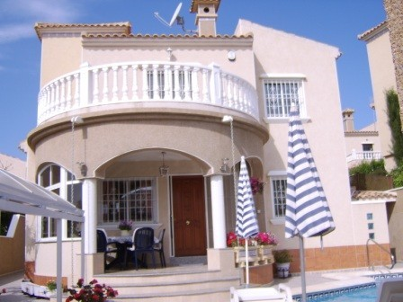 3 Bed Detached villa For Sale in Villamartin