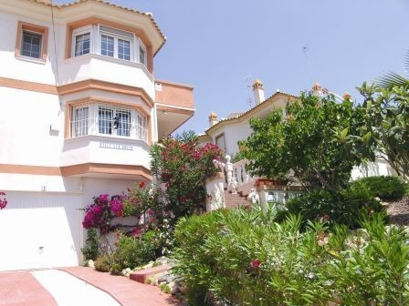 3 Bed Semi-Detached For Sale in Villamartin