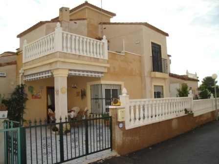 3 Bed Detached villa For Sale in Algorfa