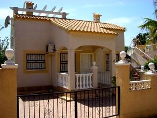2 Bed Villa For Sale in Los Altos