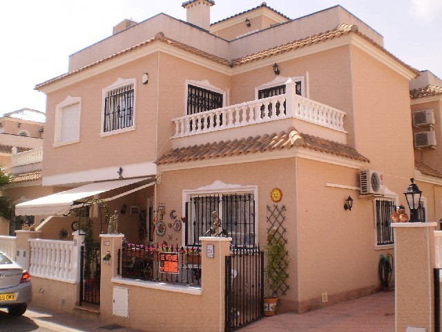 3 Bed Townhouse For Sale in Cabo Roig