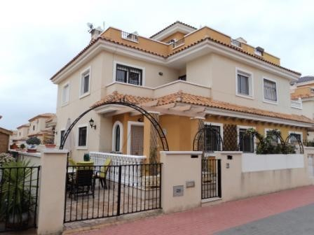 3 Bed Townhouse For Sale in Torre de la Horadada