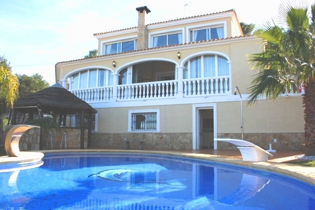 4 Bed Detached villa For Sale in Javea