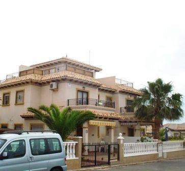 2 Bed Townhouse For Sale in Cabo Roig