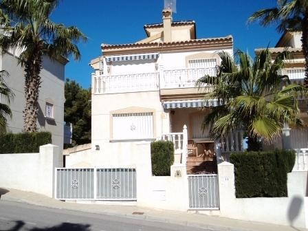 5 Bed Detached villa For Sale in Villamartin
