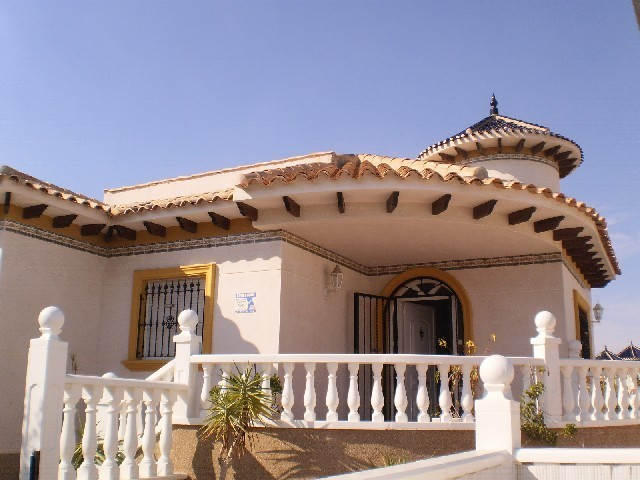 3 Bed Detached villa For Sale in Cabo Roig