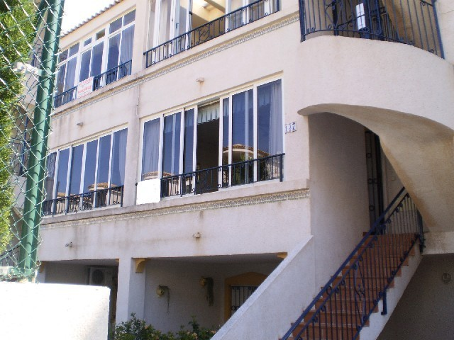 2 Bed Apartment For Sale in Los Altos