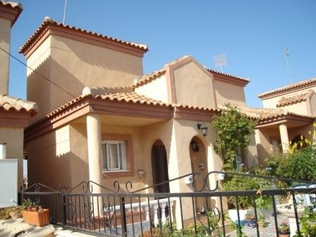 2 Bed Detached villa For Sale in Villamartin