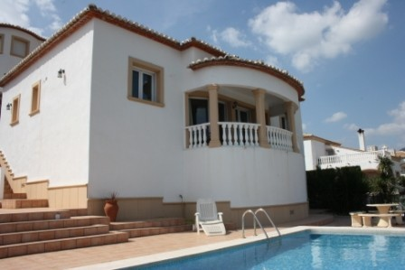 3 Bed Detached villa For Sale in Orba