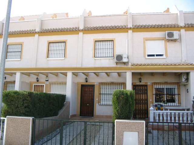 2 Bed Townhouse For Sale in Villamartin