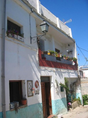 4 Bed Villagehouse For Sale in Ugijar