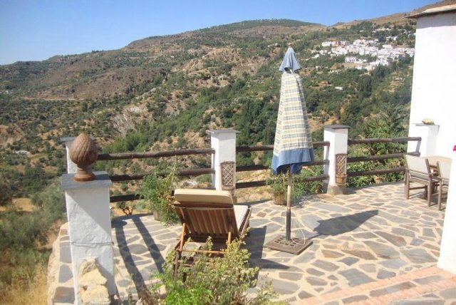 3 Bed Cortijo For Sale in Mecina bombaron