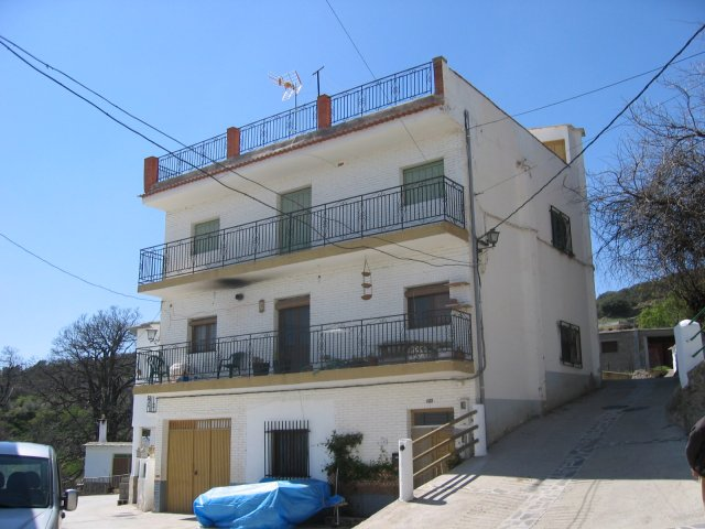 2 Bed Apartment For Sale in Laroles