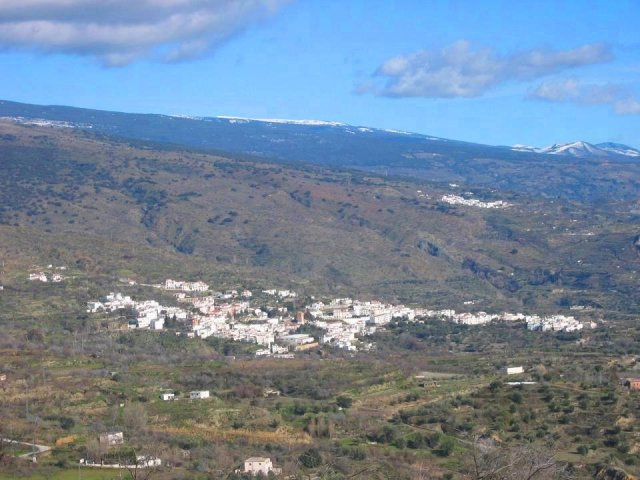 3 Bed Cortijo For Sale in Valor