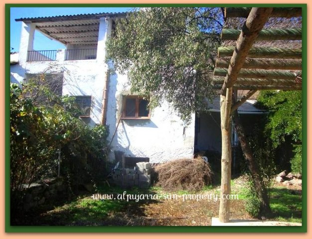 5 Bed Villagehouse For Sale in Cadiar