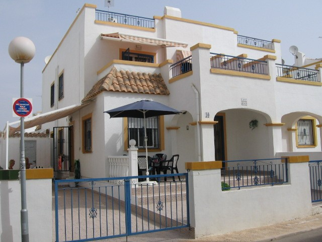 3 Bed Semi-Detached For Sale in Torrevieja