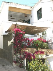 4 Bed Villagehouse For Sale in Yegen