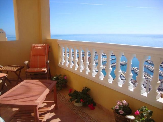 3 Bed Apartment For Sale in Aguadulce
