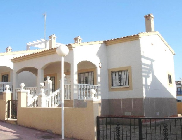 2 Bed Detached villa For Sale in Los Altos