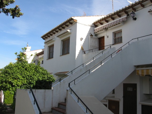 2 Bed Apartment For Sale in Los Balcones