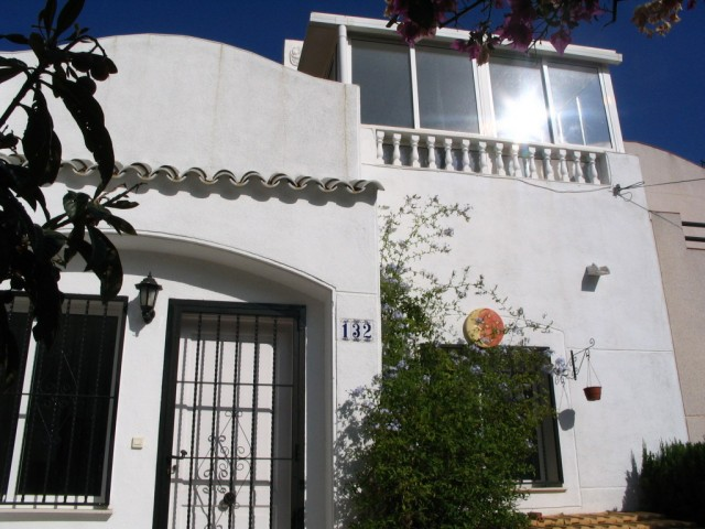2 Bed Townhouse For Sale in Los Balcones
