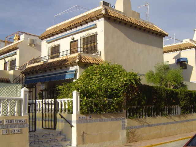 3 Bed Bungalow For Sale in La Mata