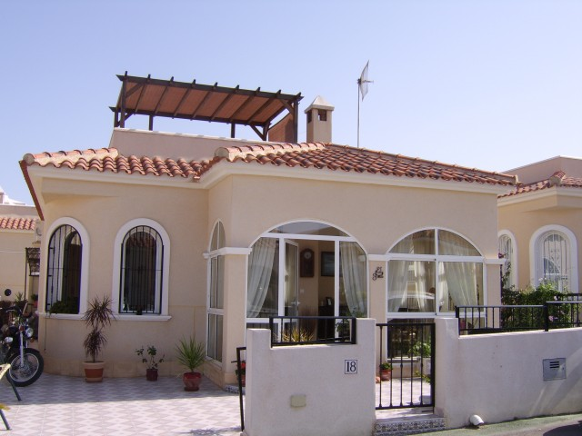 2 Bed Detached villa For Sale in Algorfa