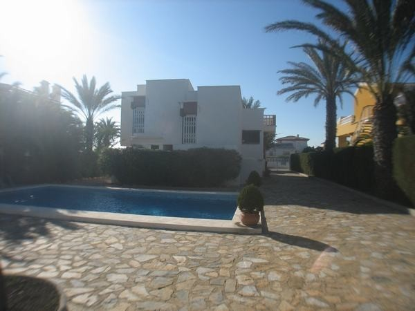 3 Bed Villa For Sale in La Zenia