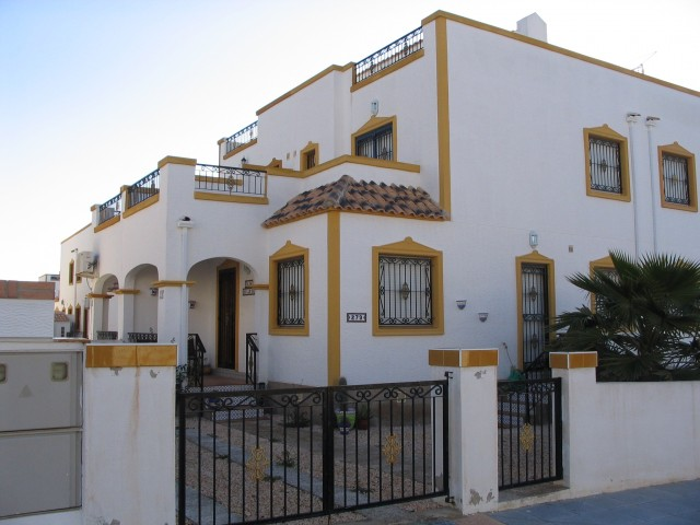 3 Bed Semi-Detached For Sale in Los Montesinos