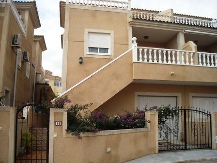 3 Bed Townhouse For Sale in Pinar de Campoverde