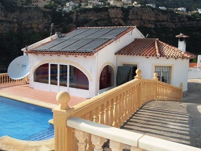 5 Bed Detached villa For Sale in Benitachell