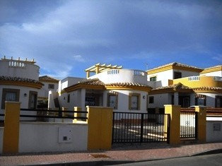 2 Bed Detached villa For Sale in Sucina