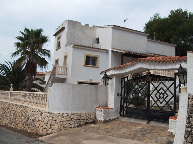 6 Bed Detached villa For Sale in Moraira